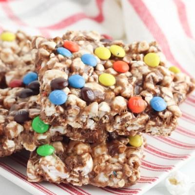 Marshmallow M&M's popcorn bars