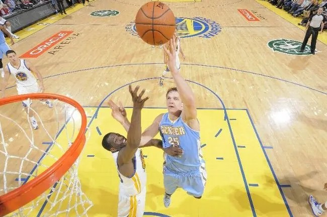 mozgov-nuggets-warriors