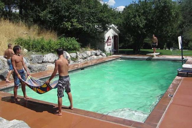 pool-dunks