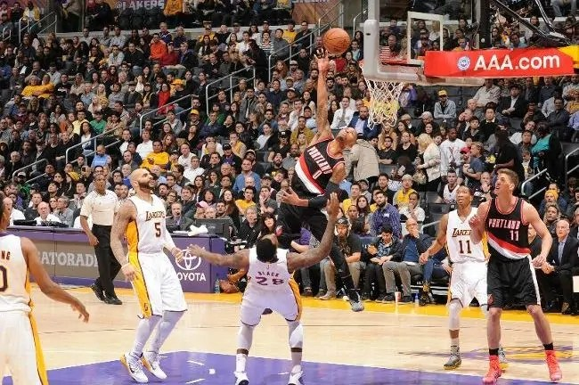 lillard vs lakers