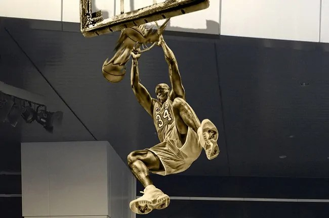 shaquille-oneal-statue