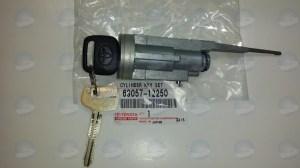 TOYOTA OEM 6905712250 9597 Corolla Ignition Lock Tumbler