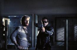 T1-_Cameron_and_Arnie_on-set