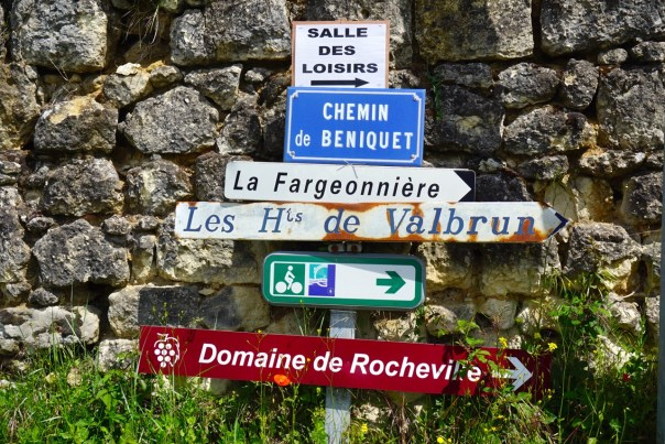 Loire Signs