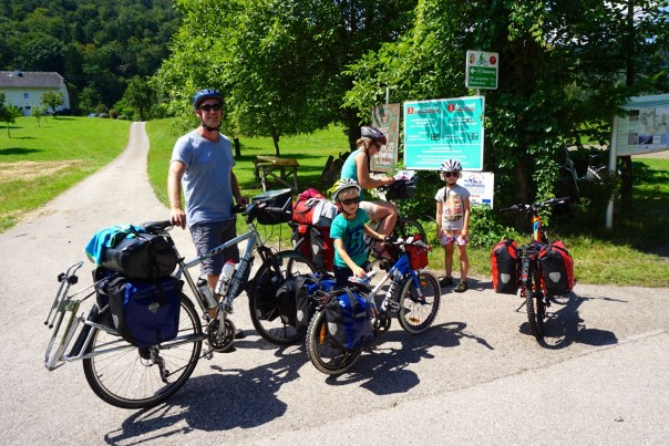 Mums Dads and Kids cycle touring