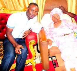 Adedara Oduguwa with Chief (Dr.) Mrs H.I.D Awolowo