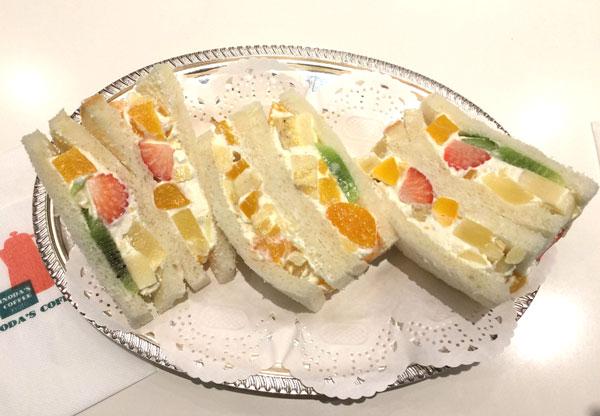 フルーツサンド巡り「イノダコーヒー横浜高島屋支店」編