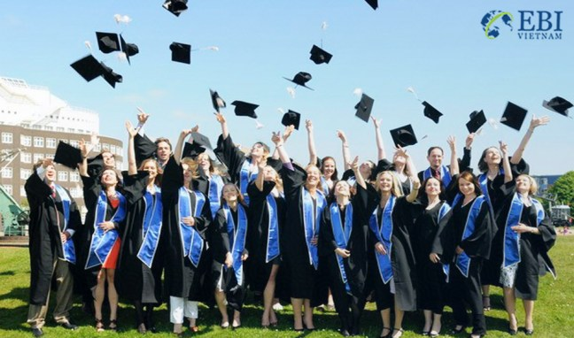 Du học sinh tốt nghiệp sau khi du học Canada