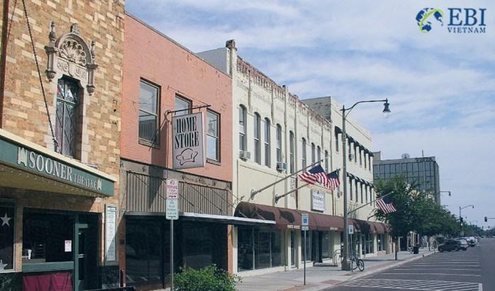 Nơi sinh hoạt giá rẻ tại Mỹ: Thành phố Norman