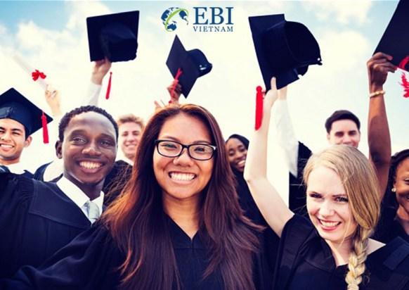 Sinh viên tốt nghệp ngành khoa học xã hội tại Đức