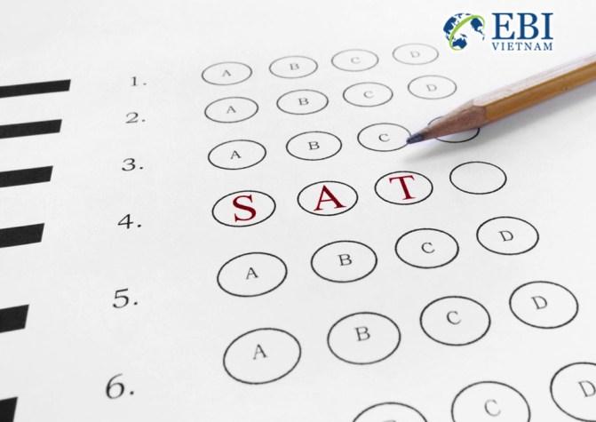 Bai kiểm tra SAT.