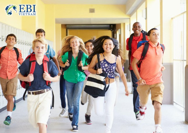 Du học sinh hòa nhập với môi trường THPT.