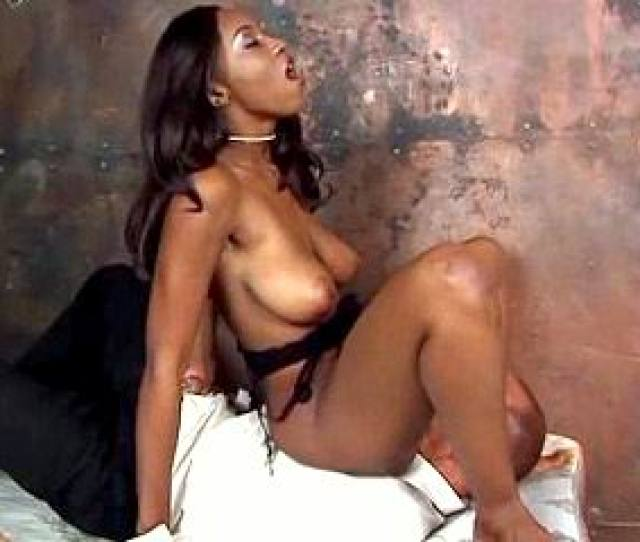 Ghetto Pearls Presents Ebony In Lingerie Have Orgasm While Facesitting And Pussy Licking