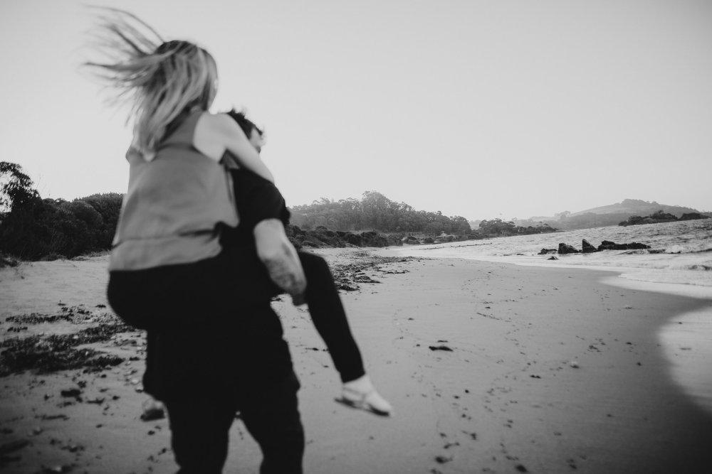 Ulverstone Couples Photography | Tasmainian Wedding Photography | Launceston Wedding Photographer | Ebony Blush photography | JESS + CALLUM