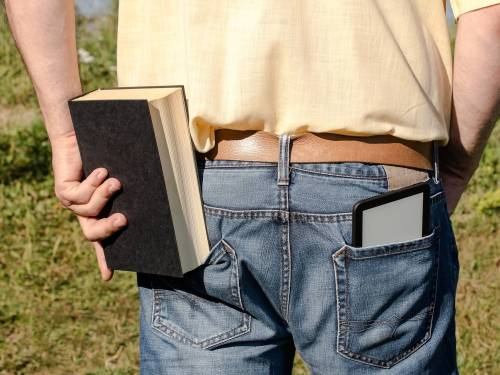 Gebärdensprache via Tablet. Das Uni Tablet im Einsatz (c) Cyrus Farivar