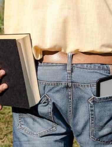Mit dieser Schlaufe hat das Earl-Tablet sicheren Halt (c) Screenshot YouTube/Earl