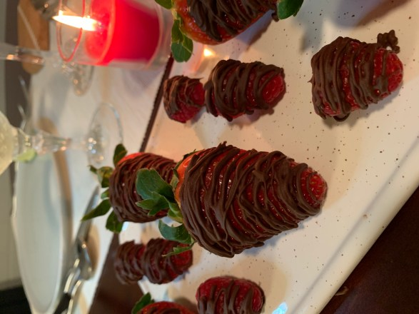 Dove Promise Chocolate drizzled berries
