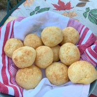 Cheesy Cheesy Poofs, Magic and Macaroons! Brazilian Cheese Bread