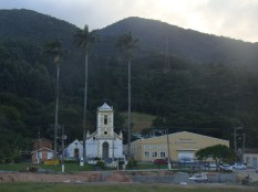 Igreja de N. Sra. do Rosário, Enseada de Brito, fundada em 1750.