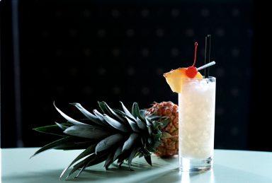 PIÑA COLADA - Rom och ananas är som gjorda varandra.