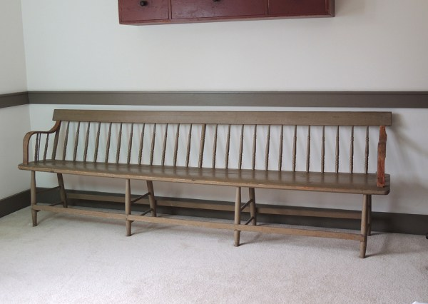 Antique Windsor Deacon S Bench Ebth