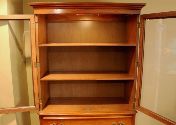 Mid Century Huntley Furniture Maple Lighted China Cabinet