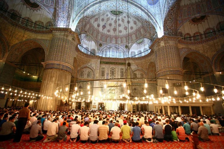 Bir Ramazanı daha idrak ettik. Bir Ramazanın daha feyiz ve bereketine dokunuyoruz elhamdülillah. Hepimiz için, bütün Ümmet için ve insanlık için hayırlara vesile olması niyazımızdır.