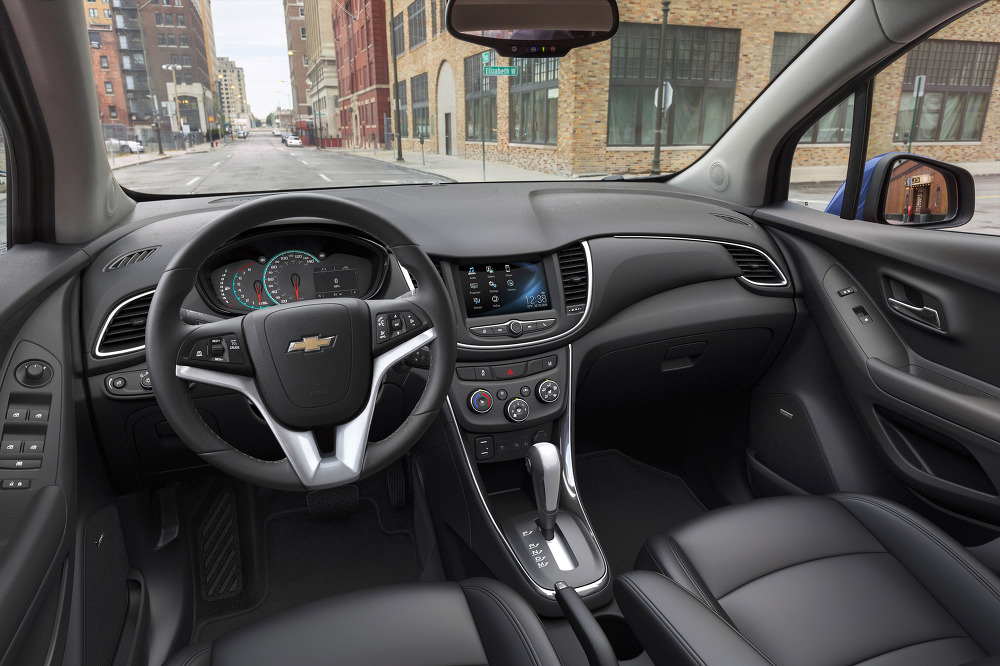 Chevrolet New Version Chevrolet Tracker The Main Novelty Of The 2018 Model ebuddynews