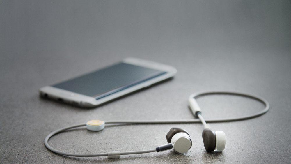 Learn How To Choose Mobile Phone Like a Professional ebuddynews