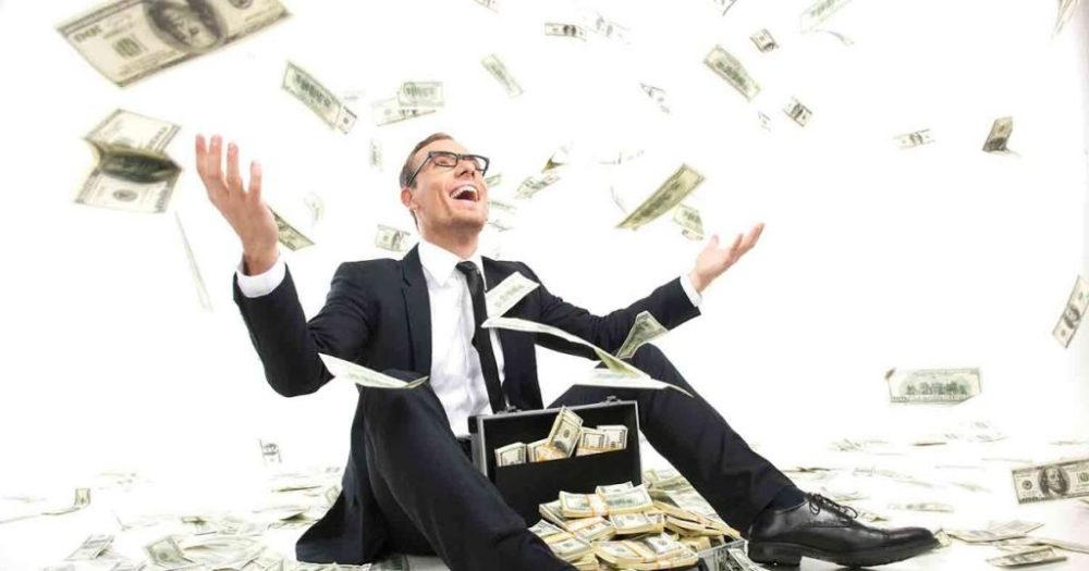 Spending Less Than You Earn - The Key To Build Wealth - Spending Less Than You Earn