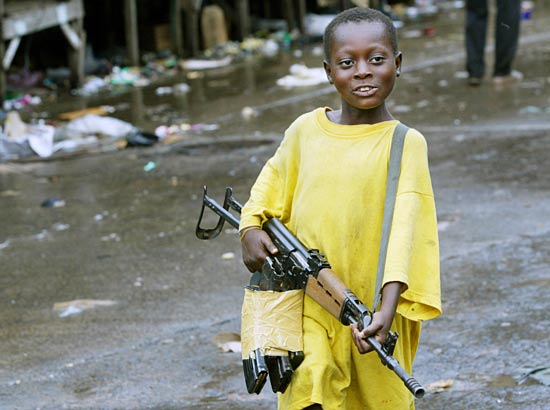 https://i1.wp.com/eburnietoday.mondoblog.org/files/2011/03/enfant_soldat_liberia.jpg