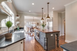 Listing by Warner Hall Thornhill http://www.warnerhallgroup.com/single-post/2017/02/08/Period-Restoration-Has-Outdone-Themselves-Once-Again