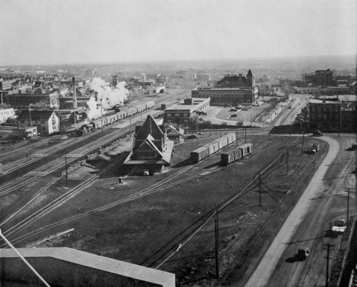 Looking east from 103rd Street, 1945. City of Edmonton Archives, EA-10-132.