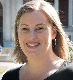 Headshot of Charlotte Wickham, statistics instructor at Oregon State University