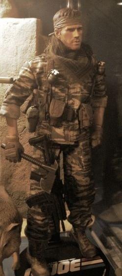 Lt. Falcon (Sideshow)