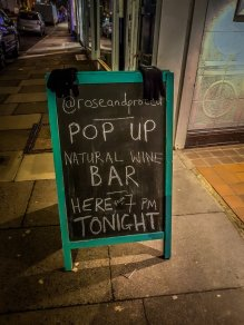 Pop-up wine bar Rose and Protea wine