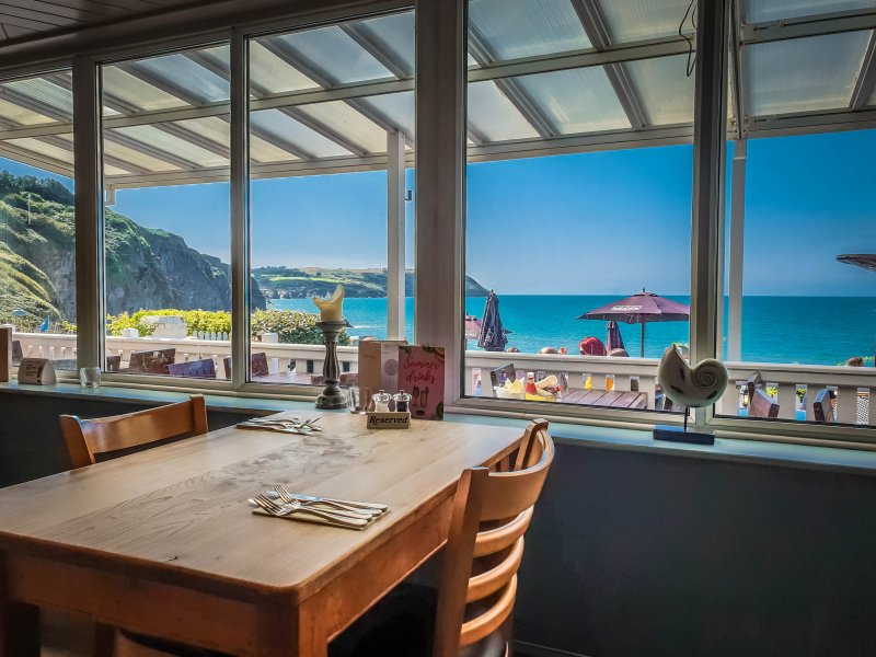 Sea view restaraunt - The Ship Inn Tresaith
