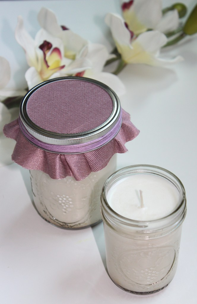 easy DIY socy candles in lavender and vanilla