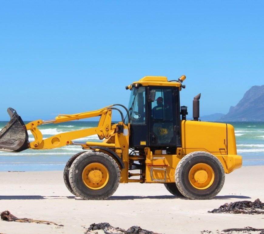 sea_beach_excavators_cleaning_ocean_water_construction_machine-909257