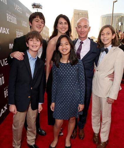 Mackenzie Bezos children, husband, family