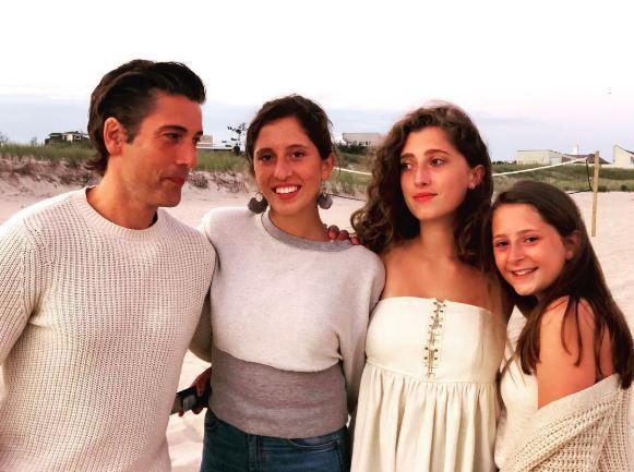 David Muir sisters