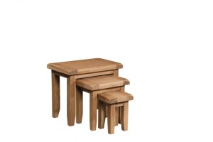 Somerset Oak Nest of tables. Contemporary chunky oak with wax feel. Nest of 3 tables. SOM076