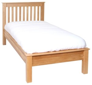 Norwich Oak 4'6 double bed. Low Foot End. contemporary shaker style straight lines and shaped edges on tops. Slatted headboard with oak capping NNH25