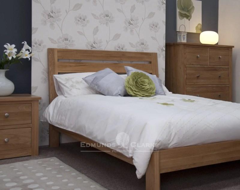 Solid Oak 4'6 Double Slatted Bed. wide horizontal slats in headboard