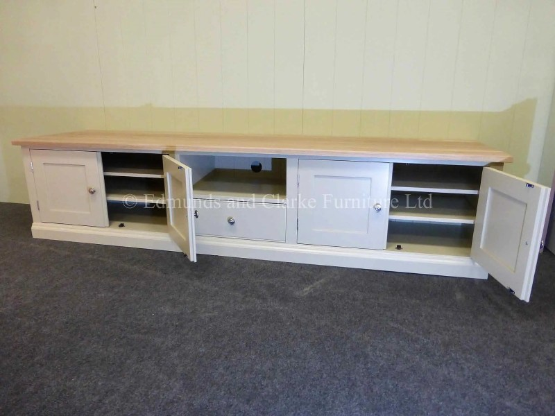 Bespoke tv entertainment stand painted with oak top