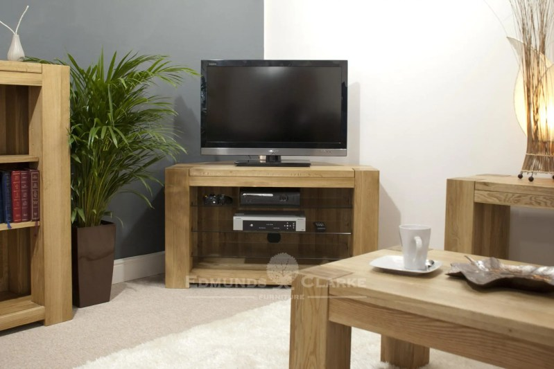 Newmarket solid oak chunky corner tv entertainment stand