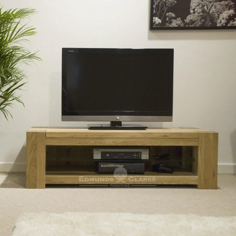 Newmarket solid oak chunky tv dvd entertainment unit