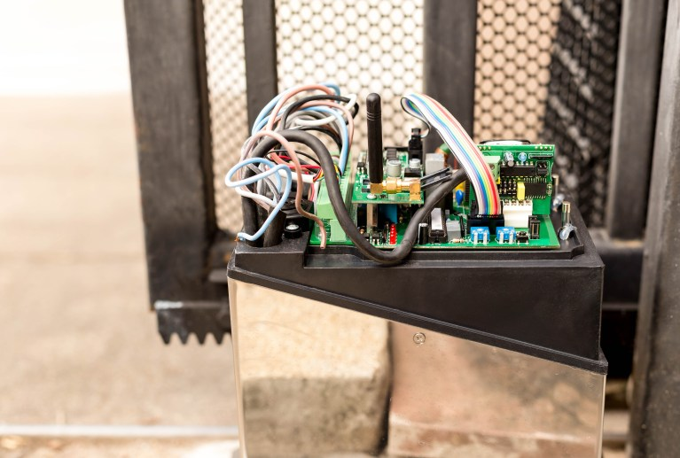 Troubleshooting an Automatic Gate