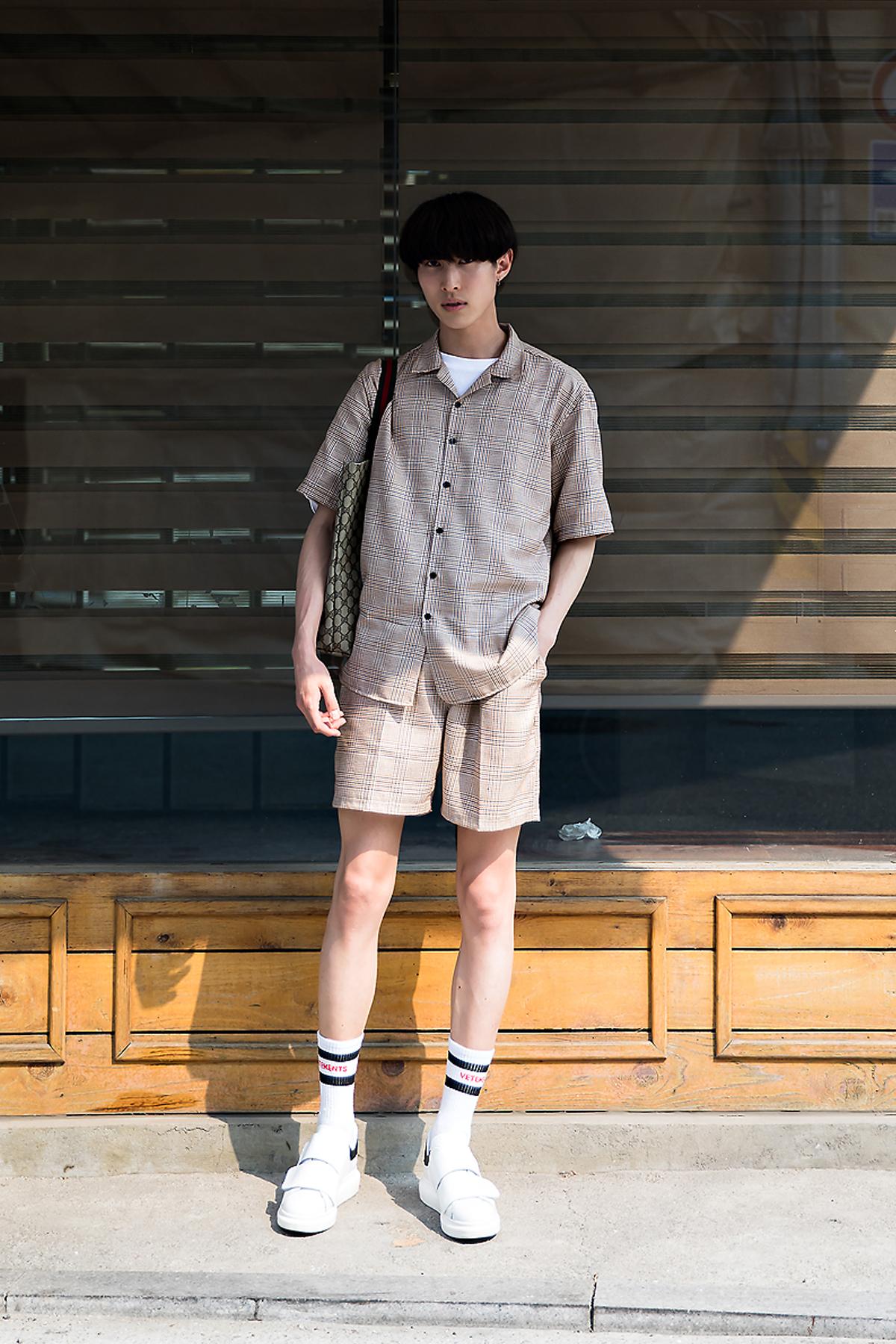 Takumi, Street Fashion 2017 in Seoul.jpg