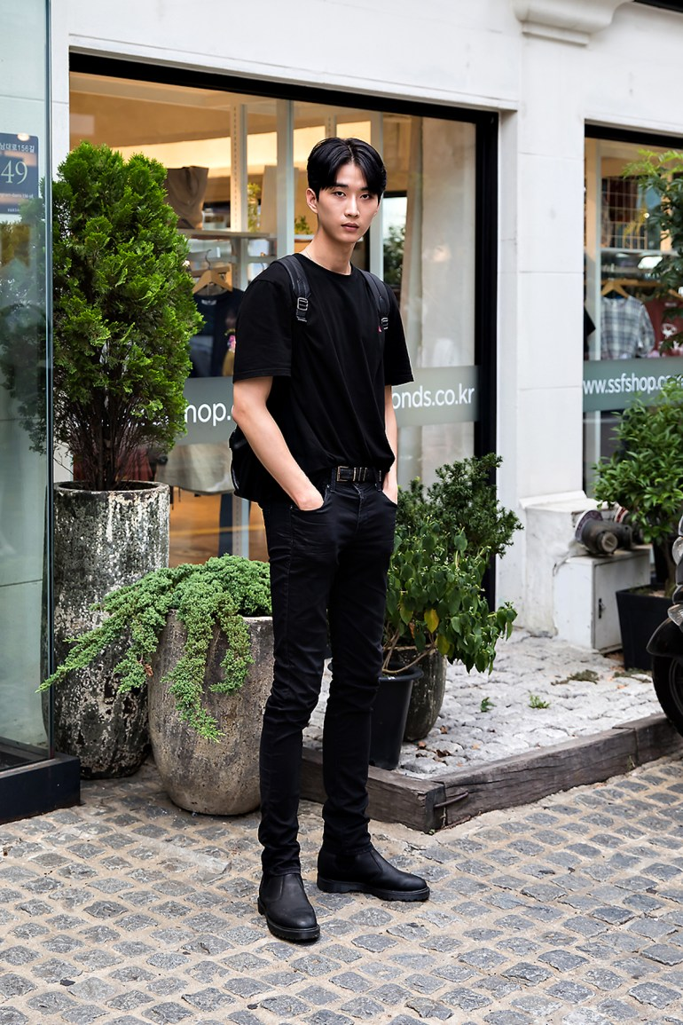 Yoo Hyunjong, Street Fashion 2017 in Seoul.jpg